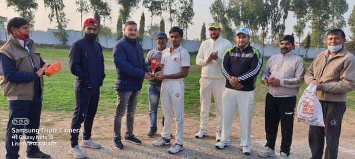 त्रिकोणीय क्रिकेट श्रंखला: उद्धघाटन मुकाबले में बलूनी स्पोर्ट एकेडमी ने नेगी क्रिकेट एकेडमी को 100 रनो से हराया